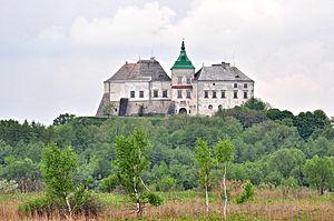 Во время тура вы сможете посетить антониевы пещеры троицко-ильинского монастыря